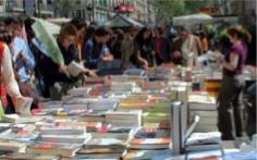 puesto de venta de libros, foto