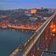 Foto de Oporto de noche, Portugal